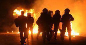 Κόλαση στο κέντρο της Θεσσαλονίκης με οπαδούς της Σάλκε !