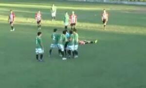 Σοκ: Ποδοσφαιριστής σκότωσε διαιτητή λόγω κόκκινης! (video)