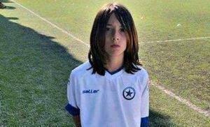 Η συγκλονιστική ιστορία του 12χρονου Κώστα που άφησε μακριά μαλλιά για μέγιστο σκοπό!