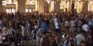 Χάος στο Τορίνο μετά την ήττα (1-4) με 200 τραυματίες (vid)